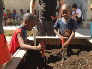 Zanfan Kids Planting